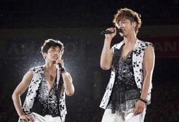 東方神起DVD『Live Tour  2013 ~TIME~ Final in NISSAN STADIUM』オリコンDVDチャートで1位に! ライブ.jpg